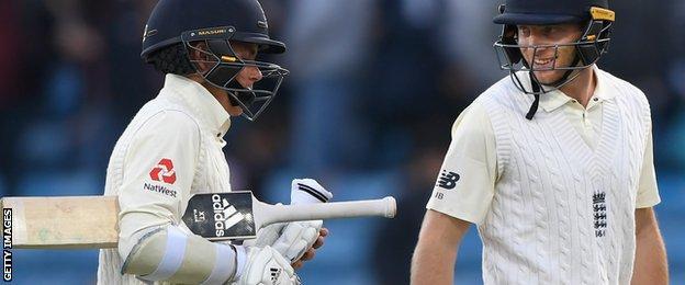 England boost advantage over Pakistan on rain-hit day – highlights & report
