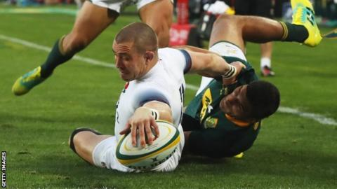 England's losing run continues as South Africa win 10-try thriller