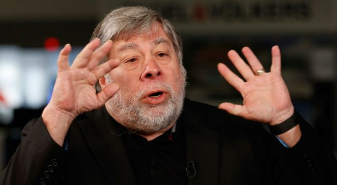 Apple co-founder Steve Wozniak says the hype around blockchain signals a bubble
