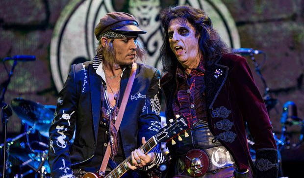 Johnny Depp beats the blues with rock 'n' roll