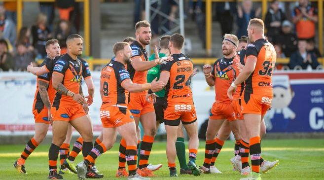 Hull KR 14-42 Castleford Tigers: Kieran Gill shines as Tigers gain advantage on top-four rivals in Super League