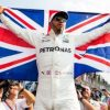 Lewis Hamilton: Mercedes driver agrees £40m-a-year deal until 2020