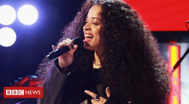 Ella Mai is the first Brit to top the US R&B chart since 1992