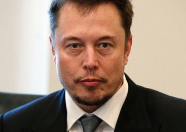 Elon Musk apologizes for calling rescue diver a pedophile