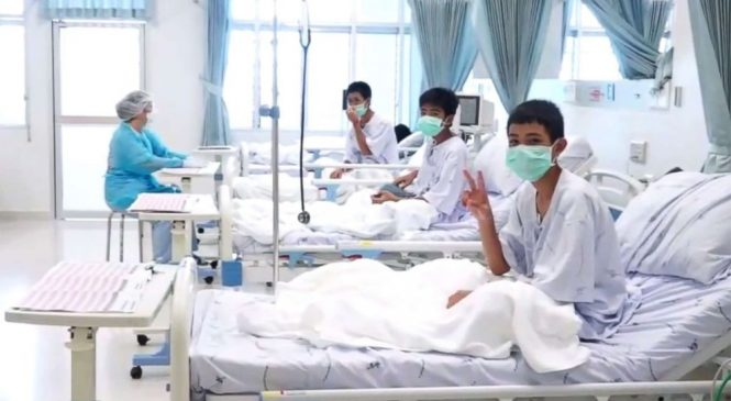 1st images emerge of Thai boys in hospital after being rescued from flooded cave