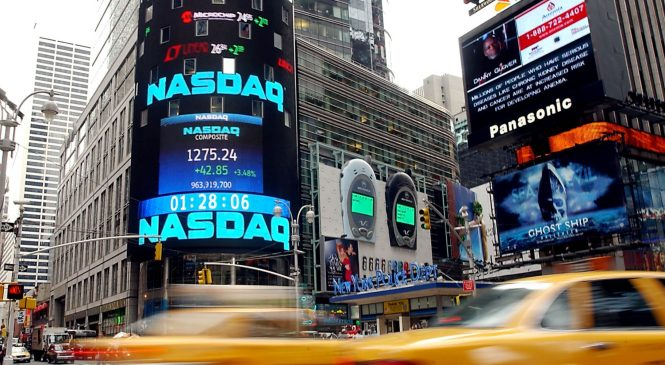 United Continental moves to Nasdaq