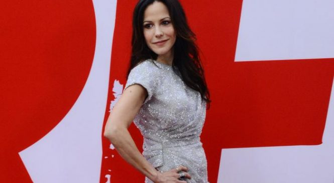 Famous birthdays for Aug. 2: Kevin Smith, Mary-Louise Parker