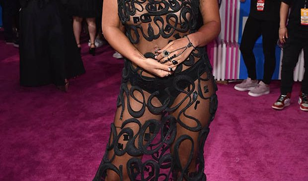 HOTTEST celeb outfits from MTV Video Music Awards