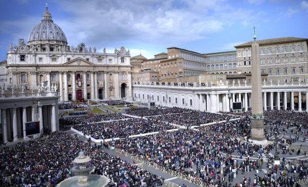 Vatican condemns 'predator priests' in Pennsylvania grand jury report