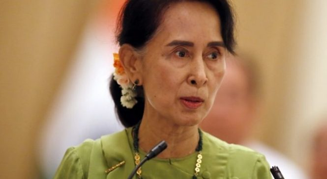 Rohingya crisis: Myanmar leader Suu Kyi 'should have resigned'