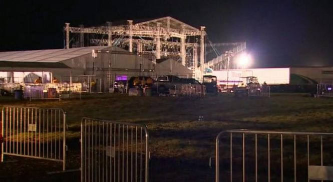 Fans injured in storm at Backstreet Boys concert