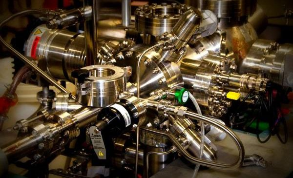 Physicists control molecule for a millionth of a billionth of a second