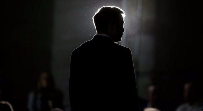 Tesla: Shares fall after regulators launch Musk lawsuit