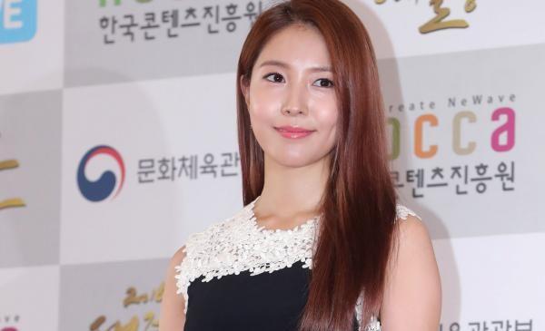 BoA to release new album 'Woman'