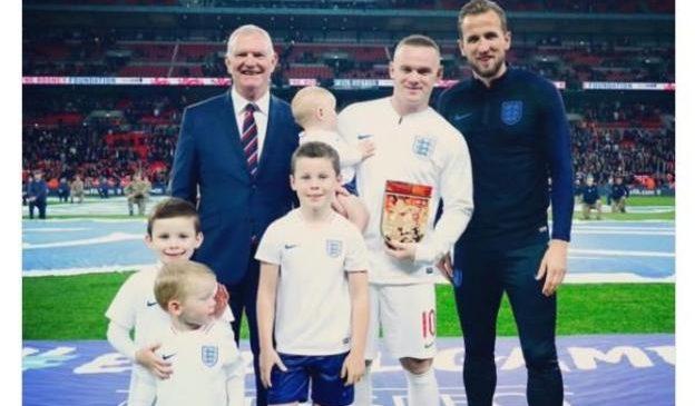 Wayne Rooney says Harry Kane will break England goalscoring record