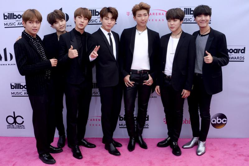 BTS performs with Charlie Puth at 2018 MGAs