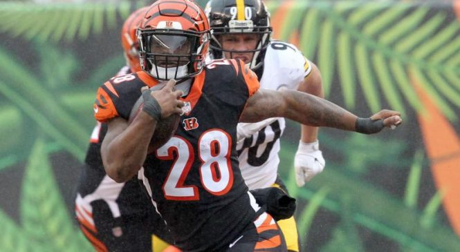 Bengals remove Mixon from injury report
