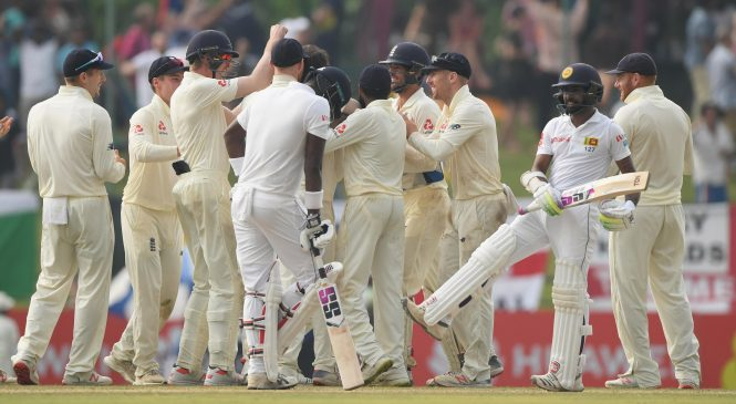 Sri Lanka vs England live commentary: Joe Root's side need three more wickets as rain stops play in Kandy – live updates