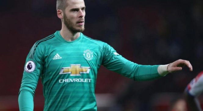 David de Gea: Manchester United goalkeeper 'poised to join' Paris Saint-Germain and sign £60million deal