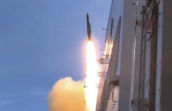 USS Abraham Lincoln CSG surface combatants conduct live fire SM-2 missile exercise