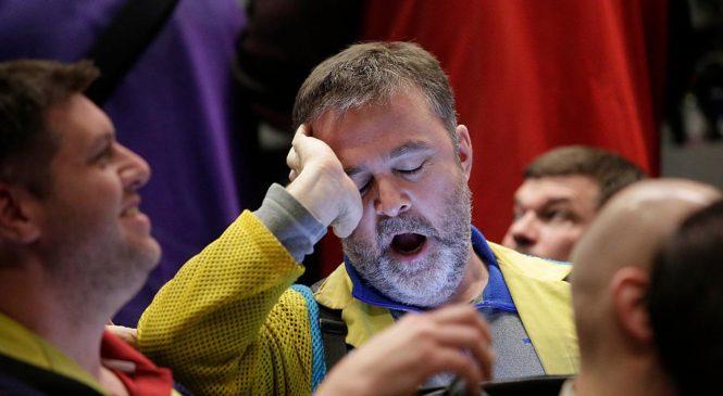 Despite volatility, wealthy investors plan no money moves: CNBC survey