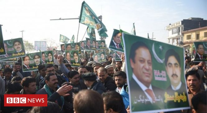 Nawaz Sharif, Pakistan ex-PM, sent back to jail for corruption