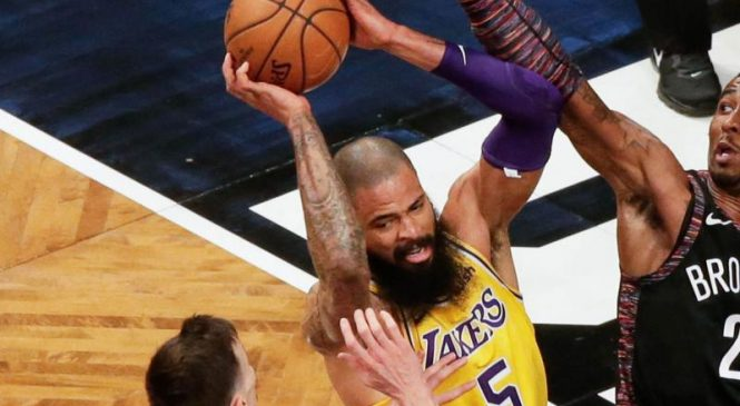 Lakers still without LeBron, take on rival Clippers