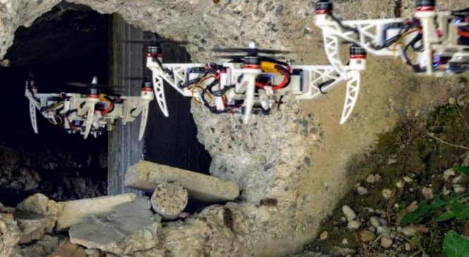 New foldable drone can navigate narrow holes