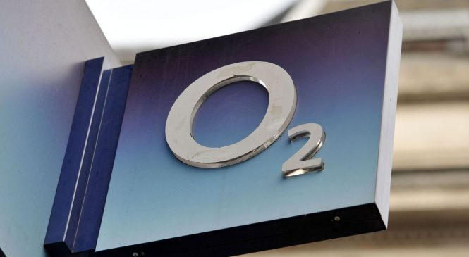 O2 urgently investigating as data services go down