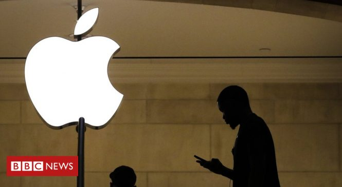 Apple hints at lower iPhone prices as sales fall