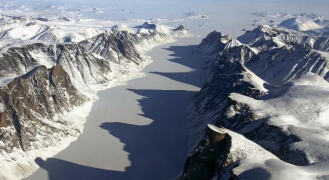 Baffin Island landscapes ice-free for first time in 40,000 years