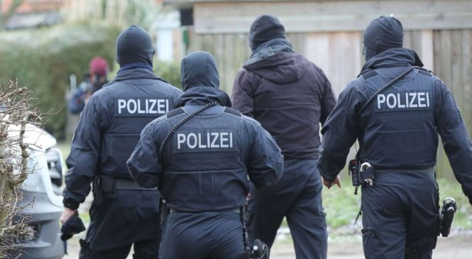 Three Iraqi refugees arrested in allegedly foiled German terror plot