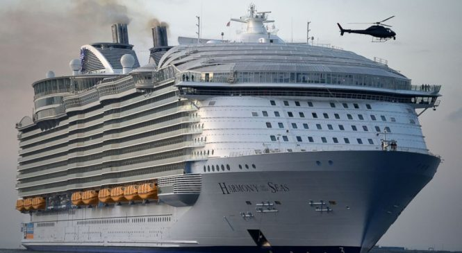 16-year-old dies after falling from balcony of cruise ship