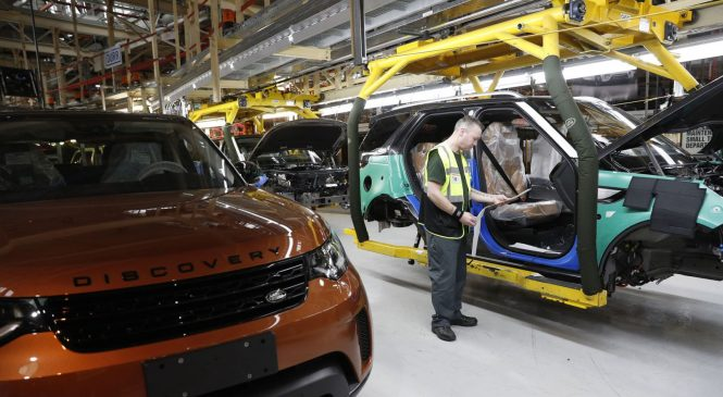 Jaguar Land Rover to 'cut thousands of jobs'