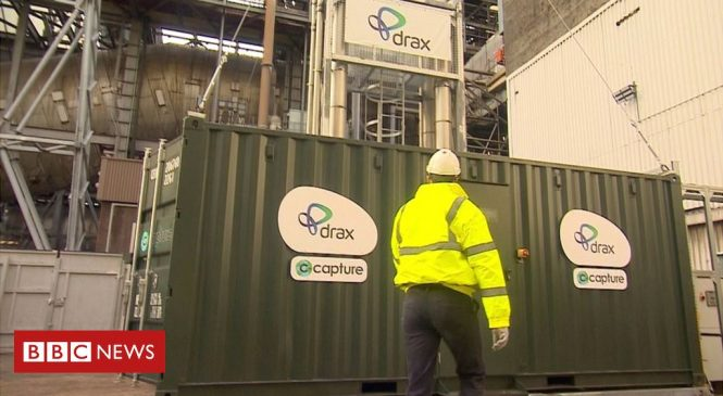 Climate change: UK carbon capture project begins