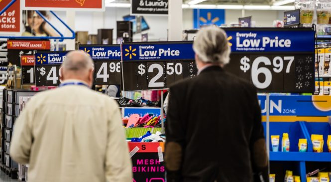 Economists slash growth for fourth quarter after big retail sales drop