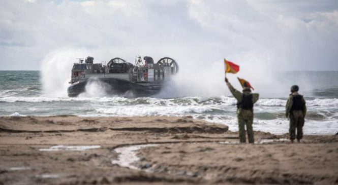 Japan's 1st amphibious assault force certified during exercise with U.S. Marines