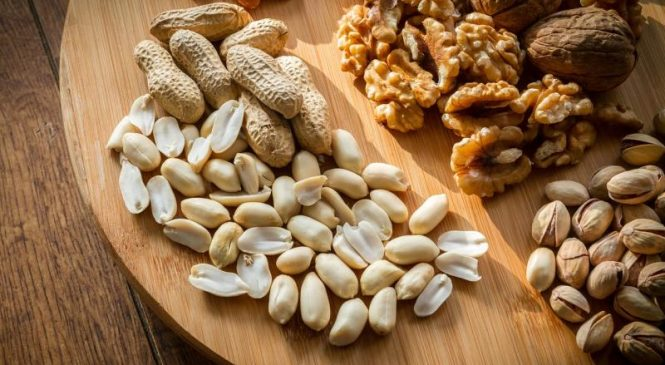 Eating nuts may lower cardiovascular disease risk from type 2 diabetes