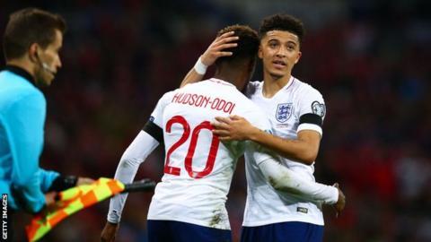Jadon Sancho & Callum Hudson-Odoi: Gareth Southgate wary of pressure on teenagers