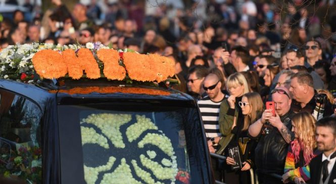 Fans 'raise the roof for Keef' at Prodigy star Flint's funeral