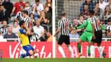 Newcastle United 3-1 Southampton: Ayoze Perez hat-trick gives Newcastle victory