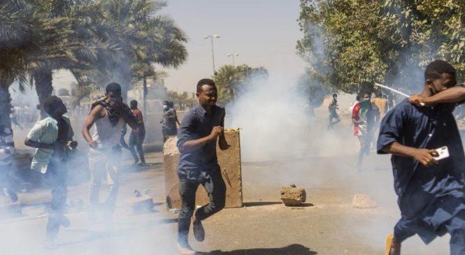 5 killed in protests demanding Sudanese President Omer Hassan al-Bashir resign