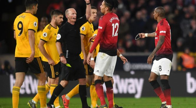 Wolves 2-1 Manchester United: Mike Dean makes history by reaching century of Premier League red cards