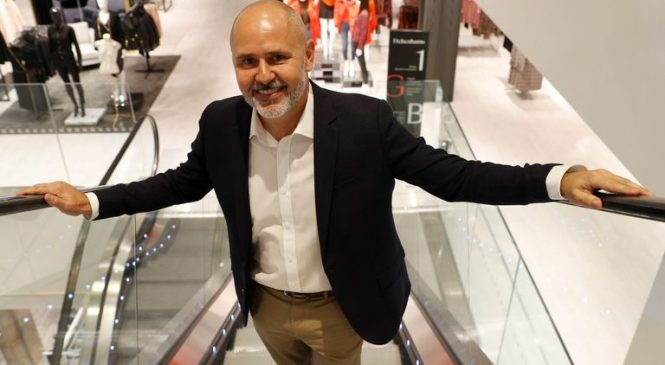 Debenhams CEO to leave troubled retailer