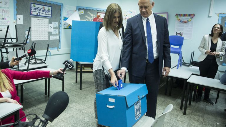 Benny Gantz, Blue and White leader and his wife, Revital cast their ballot