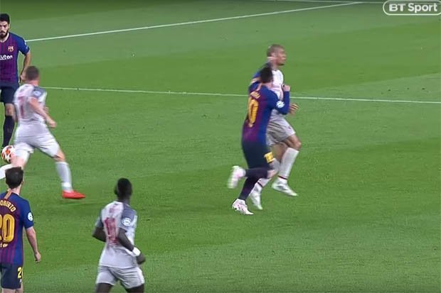 The incident which led to Messi's free-kick