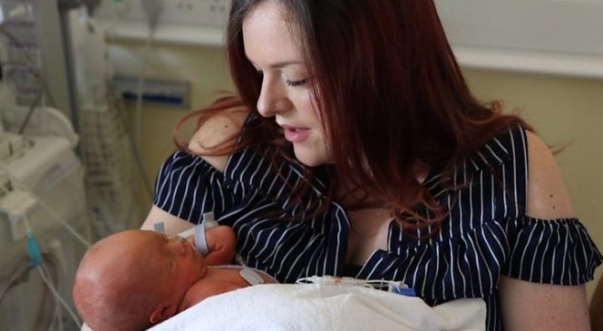 Spina bifida: Keyhole surgery repairs baby spine in womb