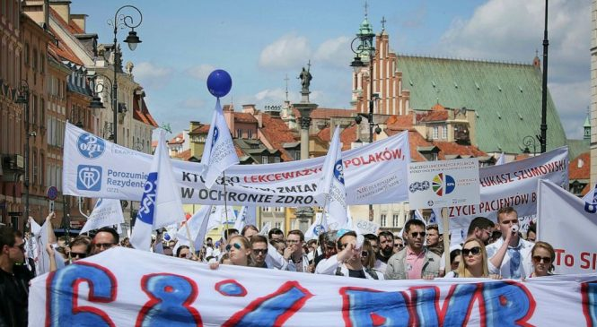 Poland's doctors march to demand more health care funding