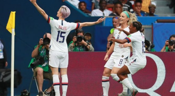 Women's World Cup soccer: Megan Rapinoe leads USA over France