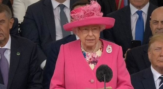 Queen says 'thank you' as world leaders mark D-Day
